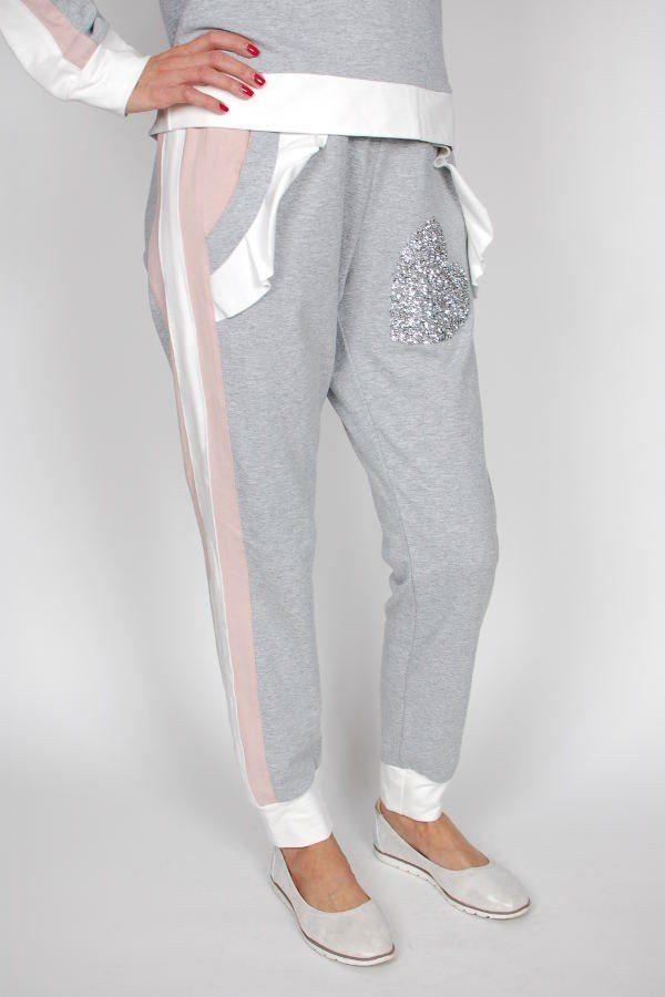 Spodnie dresowe PLUMS z falbanką